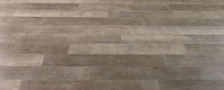 Gres porcellanato effetto parquet pavimentazioni - Crepe nelle piastrelle del pavimento ...