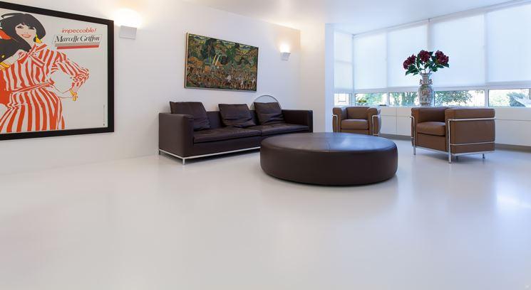 Pavimento in resina in soggiorno