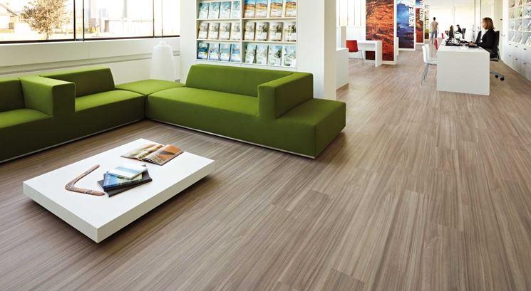 Pavimento in pvc pavimento per interni caratteristiche for Piastrelle in pvc autoadesive