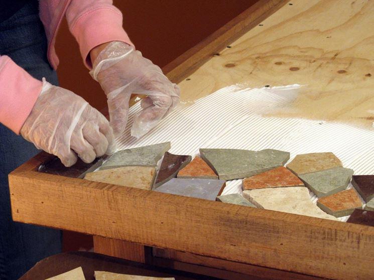 incollare piastrelle su legno