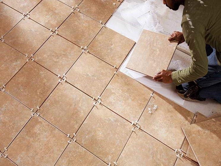Come posare le piastrelle nel pavimento piastrelle - Posare piastrelle su piastrelle ...