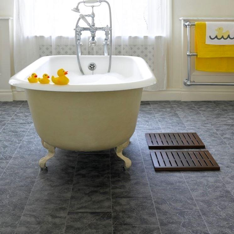 Piastrelle adesive bagno - Piastrelle - come applicare le piastrelle adesive per il bagno