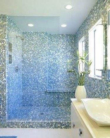 Piastrelle bagno mosaico piastrelle - Piastrelle finto mosaico per bagno ...