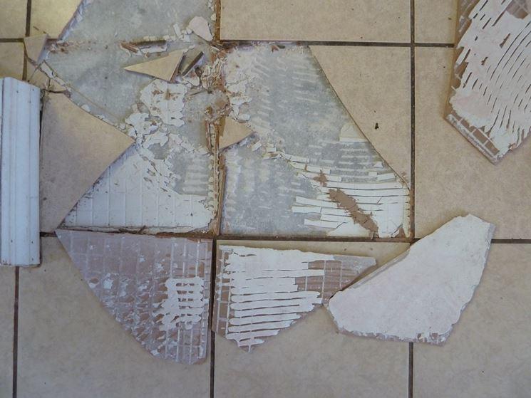piastrella rotta