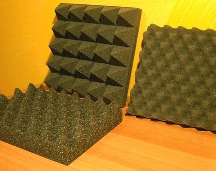 Pareti fonoassorbenti isolamento - Pannelli isolanti per sottotetto ...
