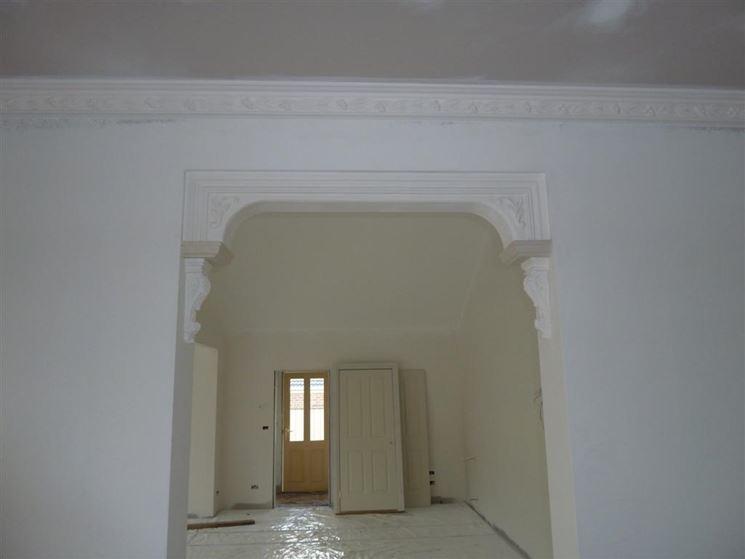 Cornici in gesso per pareti elementi decorativi pitturare - Elementi decorativi in polistirolo per interni ...
