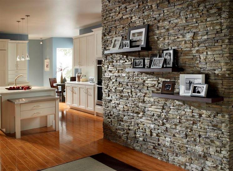 Pannelli finta pietra pareti divisorie - Pietra per interni parete ...
