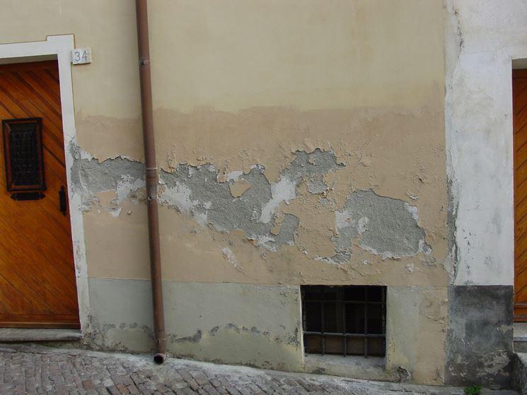 parete con umidità accidentale