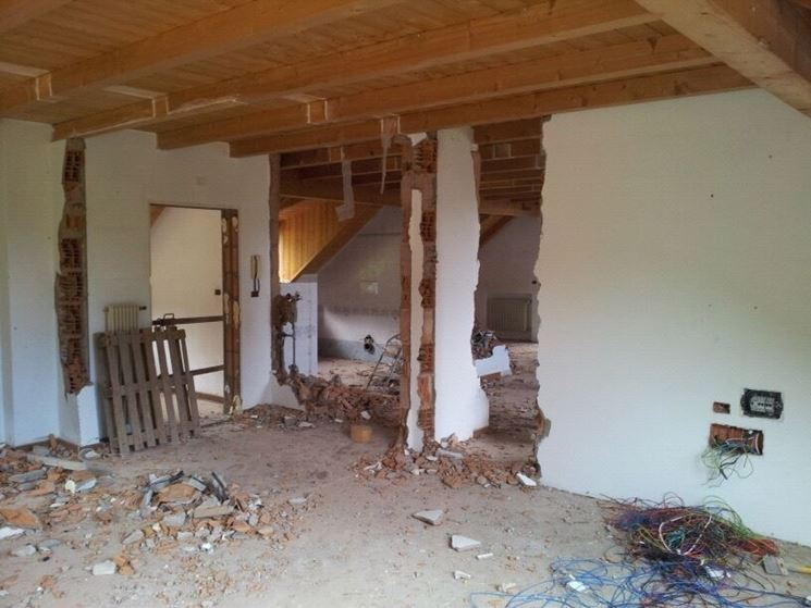 demolizione parete