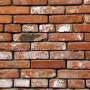realizzare una parete di mattoni