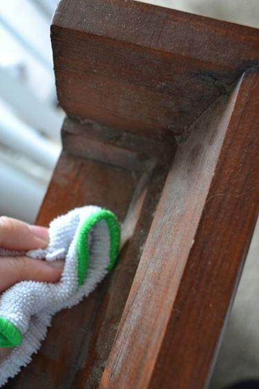 pulire le pareti in legno