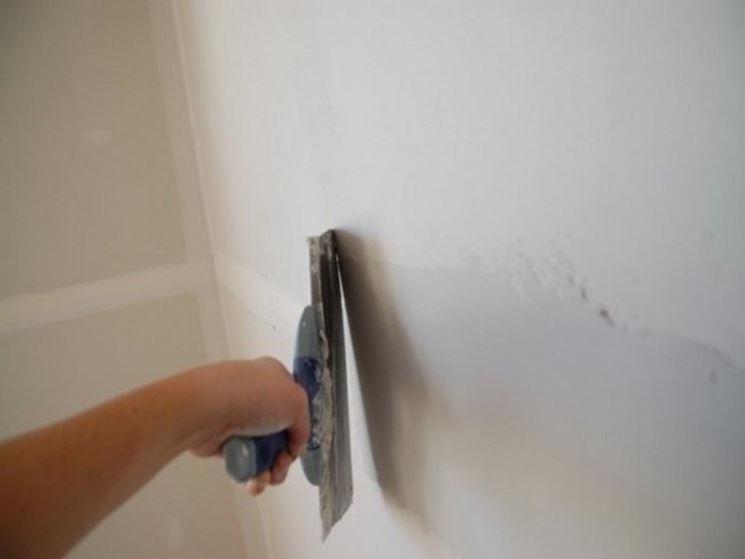rasatura parete