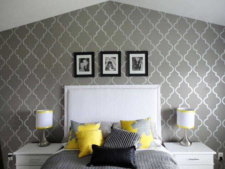 Stencil fai da te pareti come eseguire stencil con il fai da te Diy master bedroom accent wall