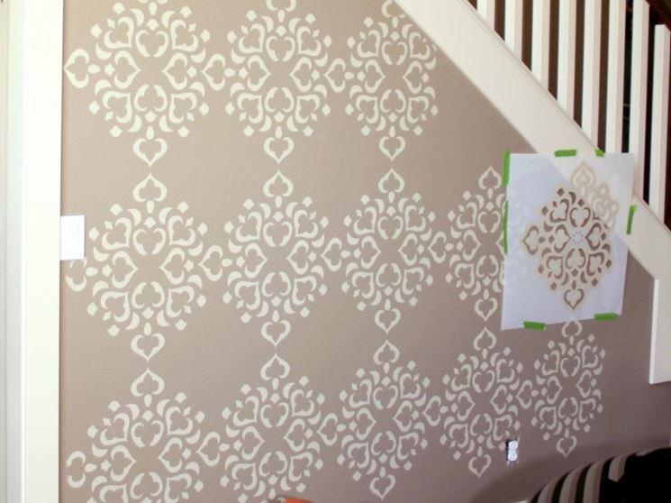Stencil murali pareti decorare con gli stencil murali for Stencil per pareti