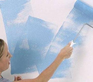 tinteggiare parete con rullo