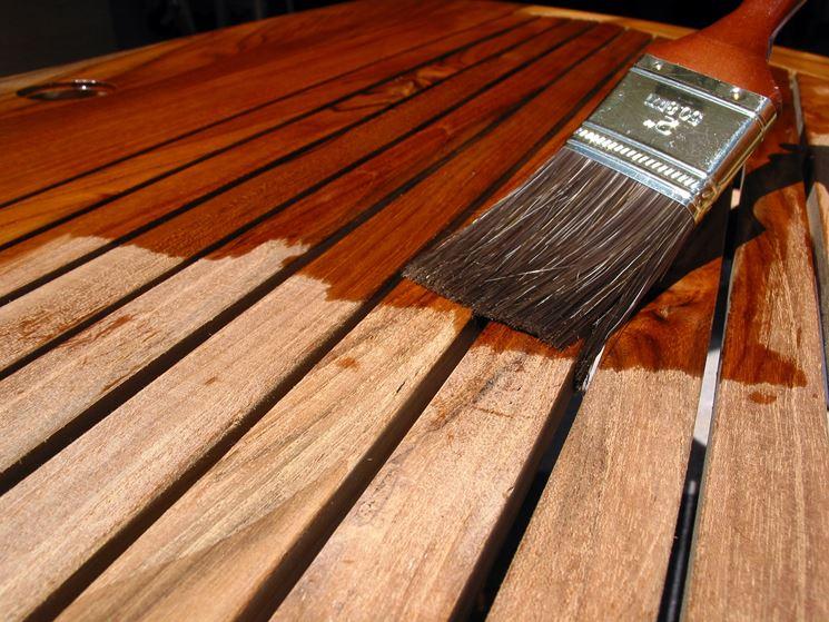 verniciare legno
