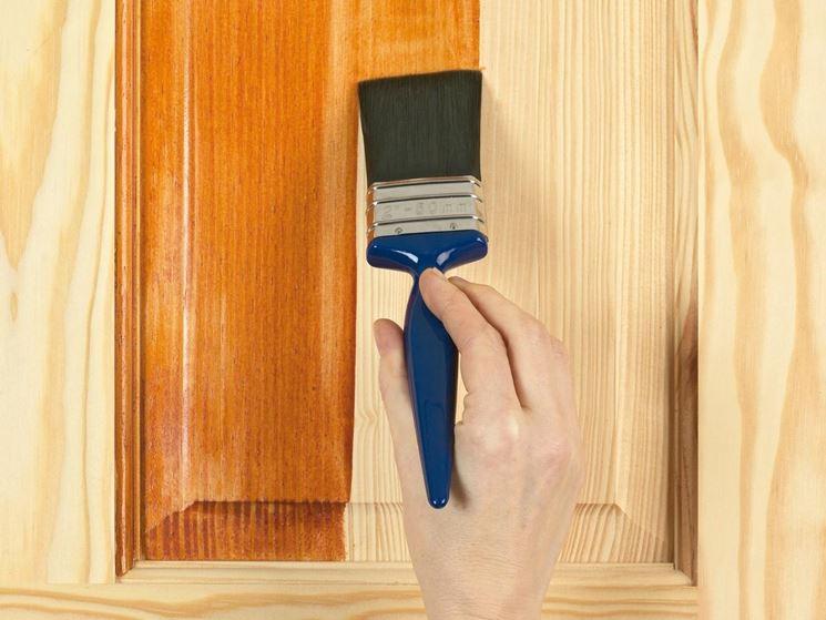 Vernici per legno pitturare caratteristiche delle for Impregnante per legno esterno prezzi