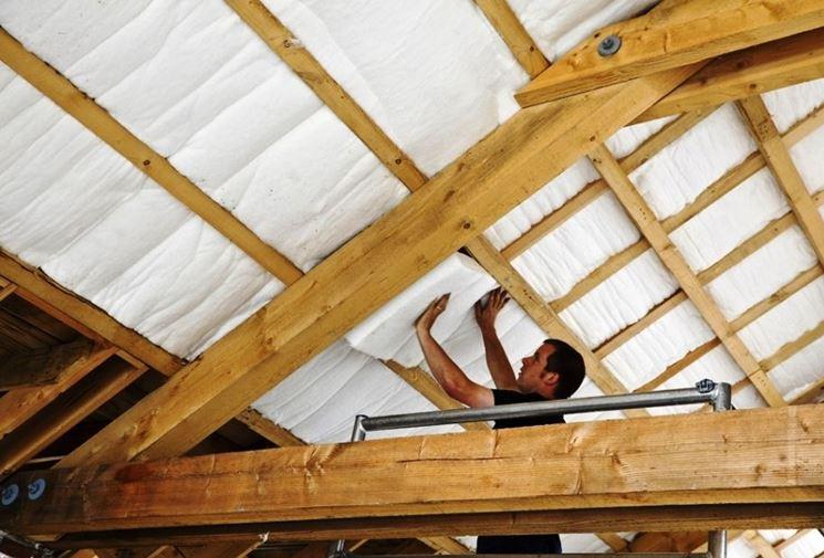 Coibentazione tetto tetto caratteristiche isolamento tetto