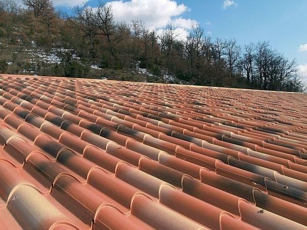 Lastre di copertura tetti tetto - Copertura a tetto ...