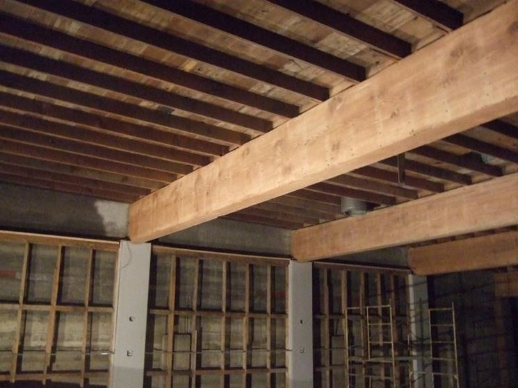 Travi in legno grezzo prezzi pannelli termoisolanti for Pannelli in legno lamellare prezzi