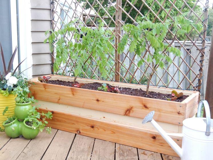 Fioriera in legno vasi come realizzare fioriera in legno for Fioriera legno fai da te