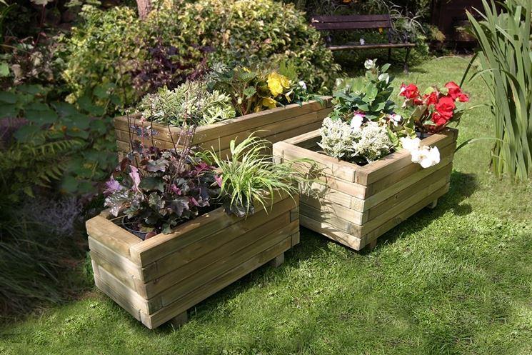 Fioriere da esterno vasi modelli e tipologie delle - Porta piante da esterno ...