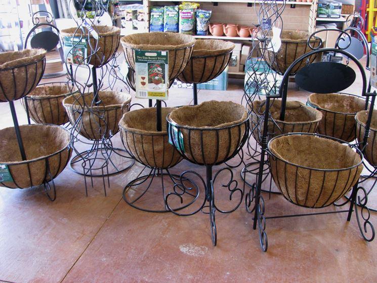 Piante Mediterranee Da Terrazzo : Fioriere in ferro vasi fiori