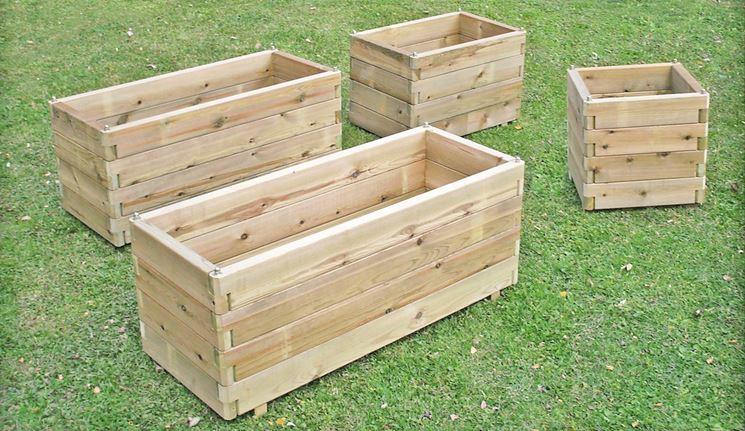 Fioriere in legno prezzi vasi quanto costano le for Costruire fioriera legno