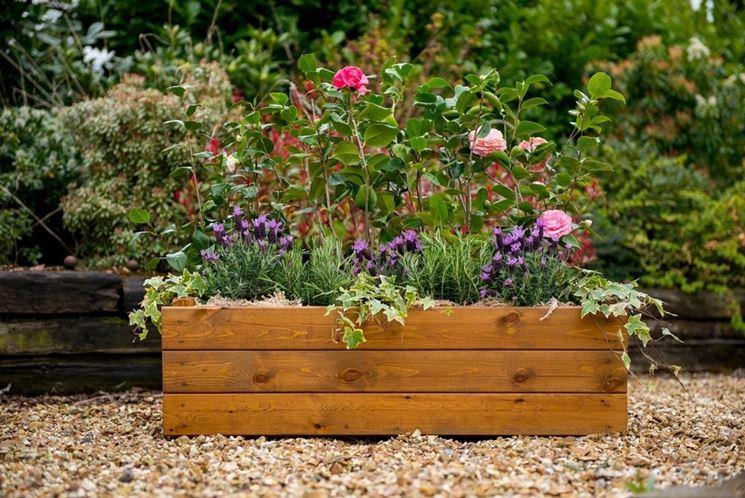 Fioriere legno vasi fioriere in legno for Fioriere in legno obi