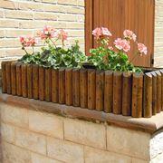 Esempio di portafiori in legno