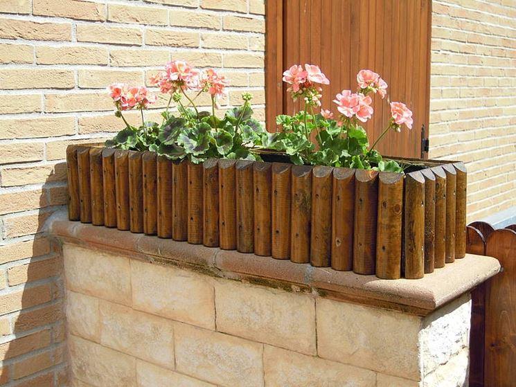 Portafiori in legno vasi fioriere for Vasi di legno