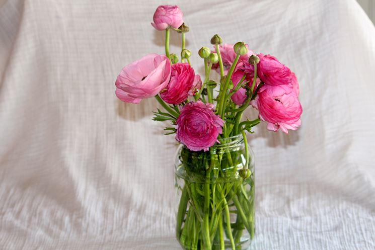 vaso in vetro con fiori