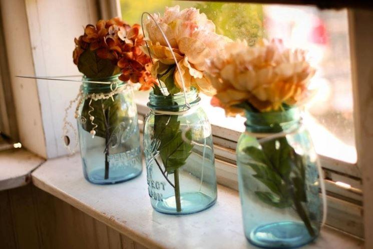 fiori in vasi in vetro