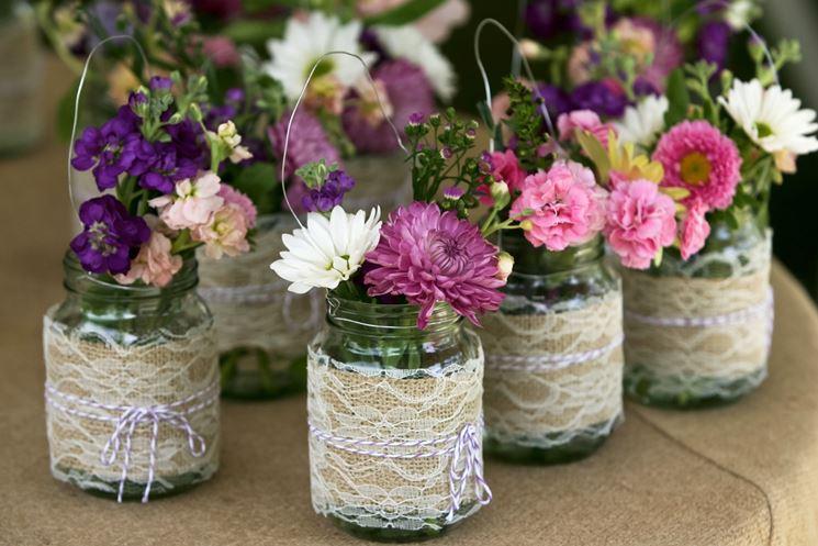 Vasetti di vetro con fiori