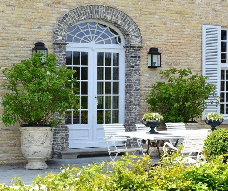 Vasi da terrazzo vasi for Prezzi piante da giardino
