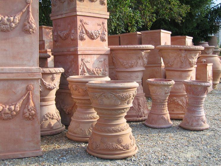 Grandi vasi di terracotta