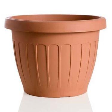 Ecco come sono fatti i vasi in resina da giardino
