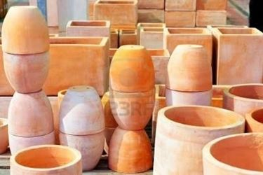 Pregi e difetti dei vasi per piante da esterno