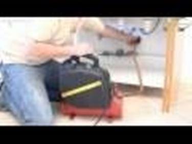 Come sturare i lavandini e le tubazioni tutorial