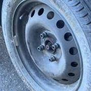 Come cambiare la ruota dell'auto