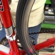 Regolazione cambio anteriore bicicletta
